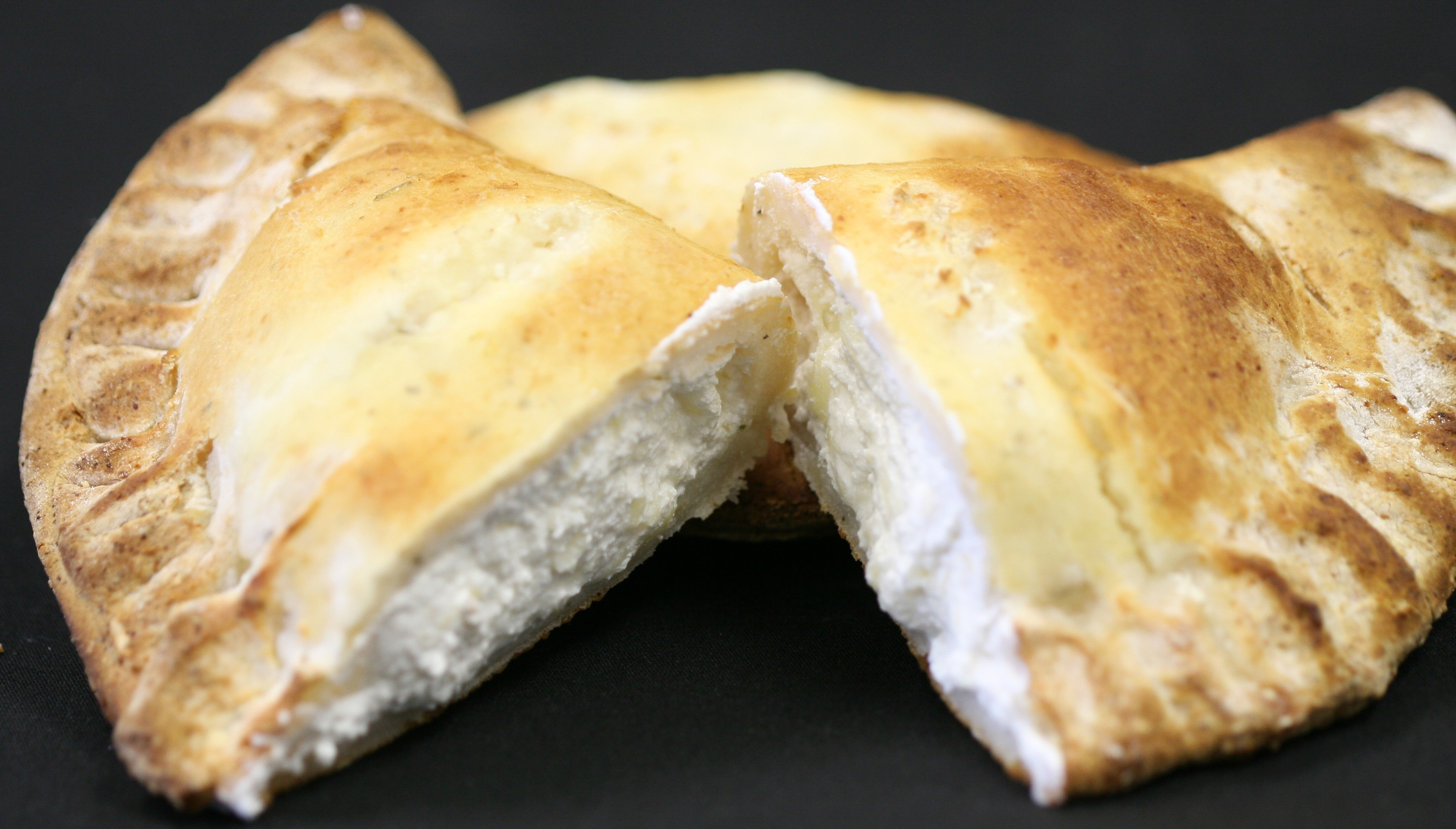 Cheese Calzone - Gluten Free - 7 OZ